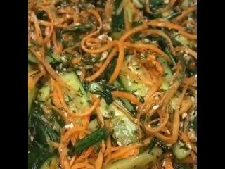 Поделюсь с вами своим рецептом огурцов по - корейски