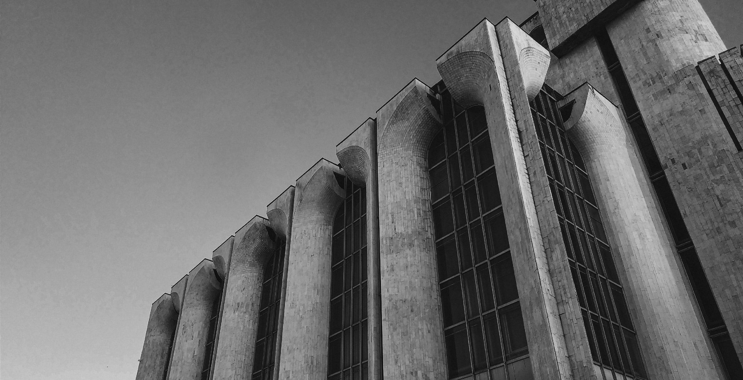 Драматический театр имени Достоевского в Великом Новгороде - Фото