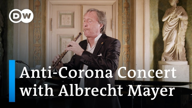 Albrecht Mayer plays Bach s Air and other pieces exclusively on the oboe d amore and English horn!