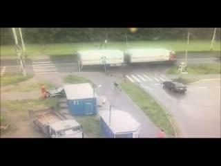 Пьяный водитель сбил семью