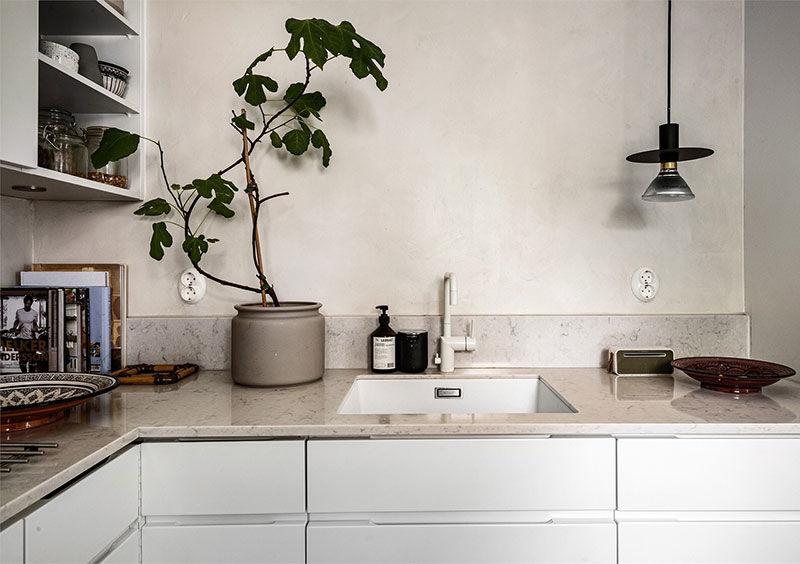 Продуманная серо-бежевая цветовая гамма в интерьере квартиры в Швеции (78 кв.