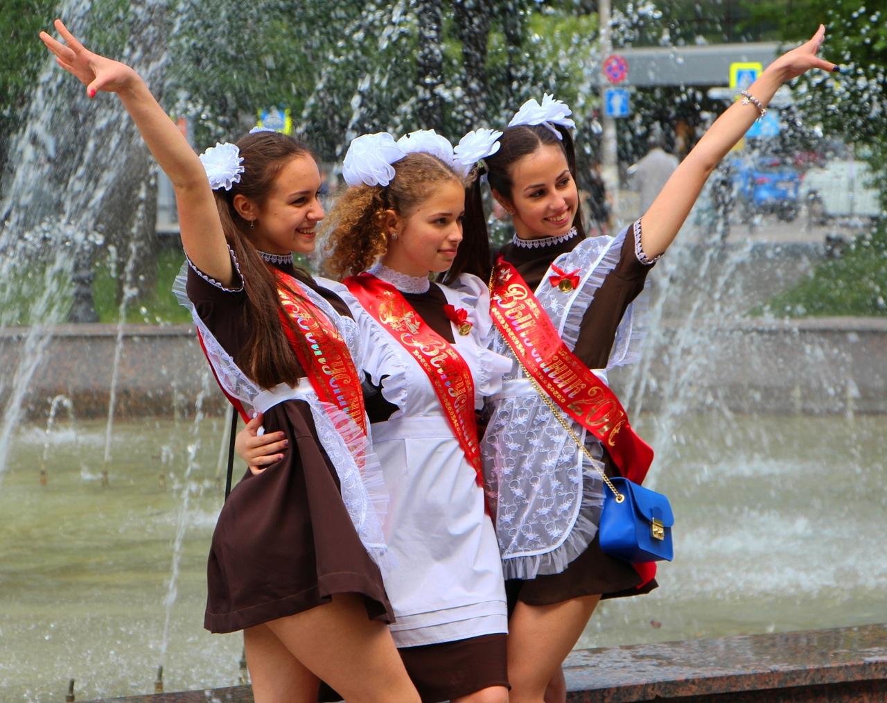 В Таганроге в режиме онлайн прозвенел «Последний звонок»