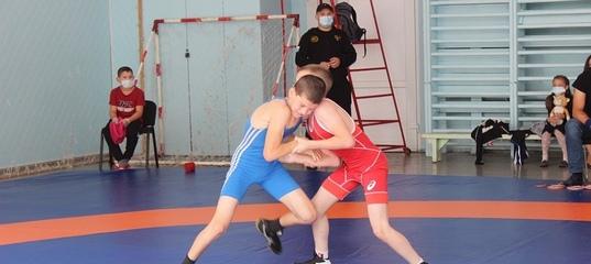 В Нижнем Тагиле прошли областные соревнования по греко-римской борьбе
