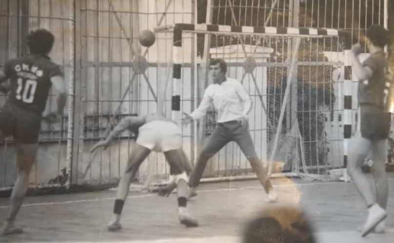 Евгений Семак. Вратарь с гандбольной хваткой и футбольной грустью. В атаку тоже можно!, изображение №4