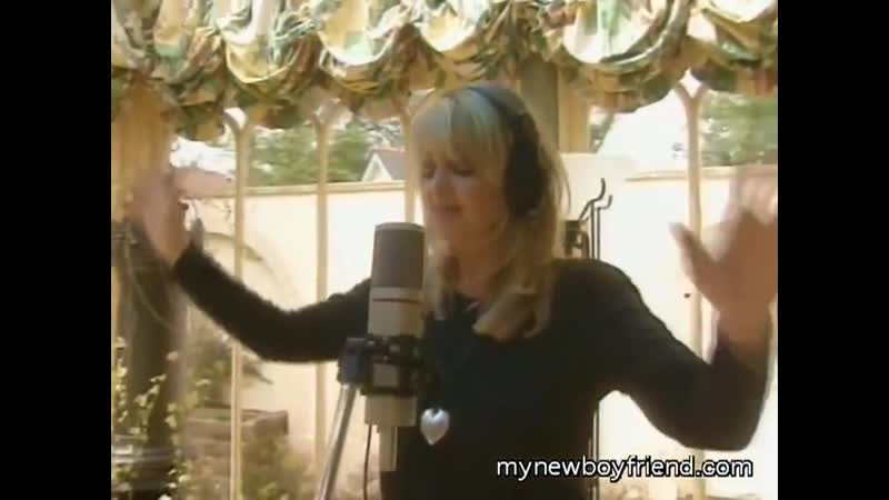 Bonnie Tyler recording in studio May 2014 62 года
