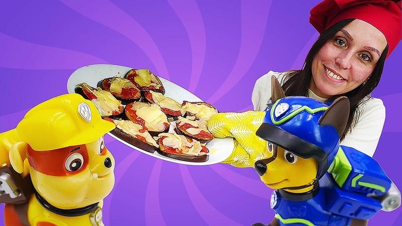 Receta de mini pizzas de berenjena para los juguetes de la Patrulla Canina. Cocina para niños