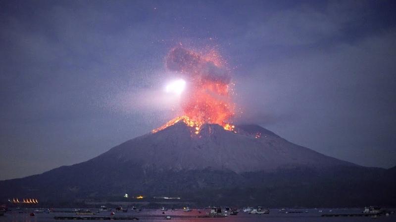 Explosive eruption of Sakurajima on November 12 2019  桜島爆発