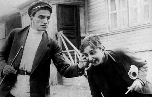 Как шутили великие: Есенин и Маяковский