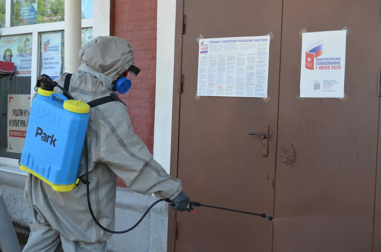 В Петровском районе проводят санитарную обработку избирательных участков