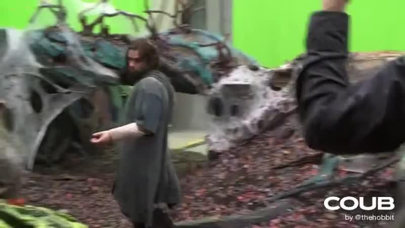 Sword play in 5 4 The Hobbit DOS behind the scenes Aidan Turner Kili
