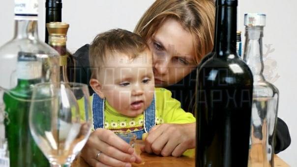 Белоруский судья сломал систему Матери, выбросившей в кусты новорожденного сына, в Бобруйске дали 17 лет. При этом малыш выжил, а суд не учел наличие у подсудимой еще троих детей и не стал