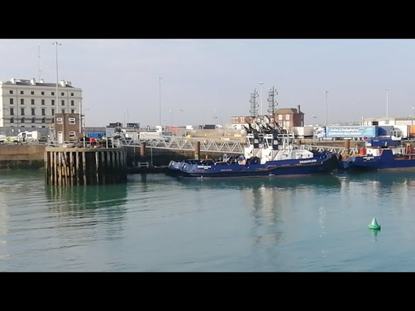 Live As First Illegal Migrant Boat Comes In Dover
