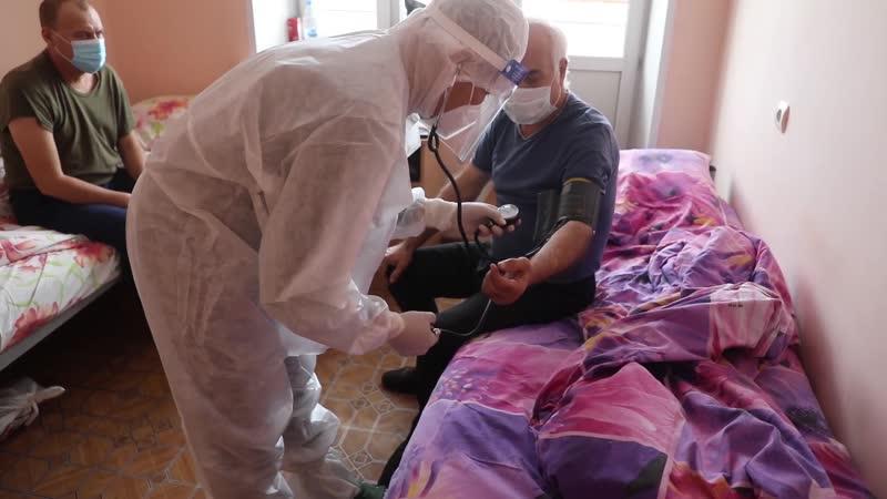 Прием пациентов с первичными признаками COVID 19 в мобильном военном госпитале в Хакасии