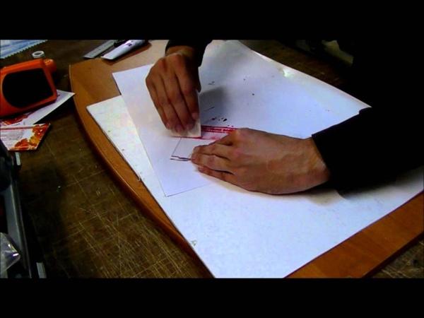 Типирование гравировки на акриловом стекле