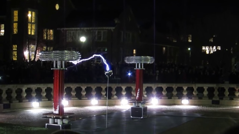 Tesla coil music Sail by Awolnation