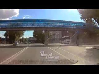 На Менжинского дедушка переходит дорогу в неположенном месте  Ростов-на-Дону Главный
