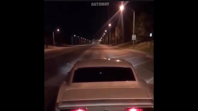 На дыбы с искрами на автомобиле
