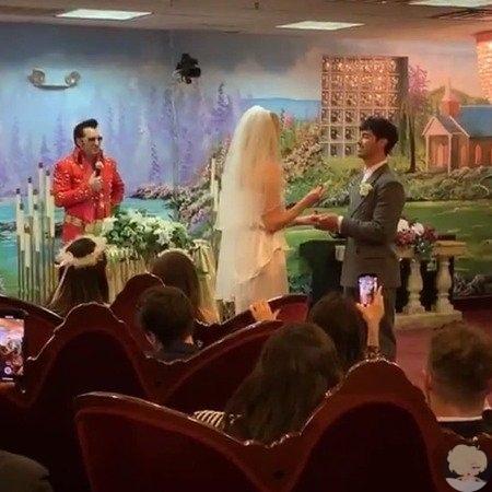 Софи Тернер и Джо Джонас поженились