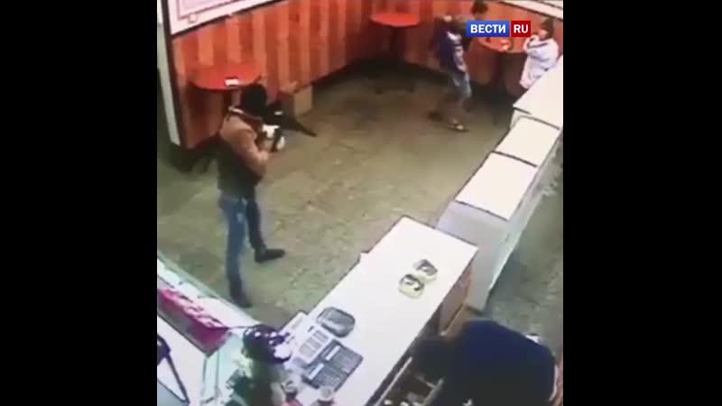 Ефрейтор и прапорщик отправились в колонию за вооруженный налет на кубанское кафе