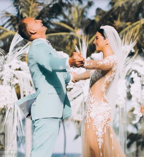 Впервые появилось фото со свадьбы Нюши.