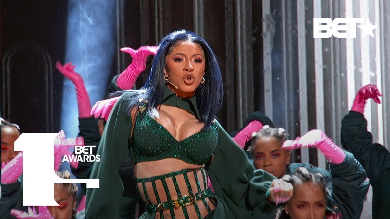 """Cardi B Offset In FIRE """"Clout"""" """"Press"""" Performance At The BET Awards! 