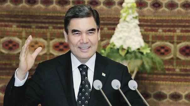 Президент Туркменистана подарил ударникам труда ими же купленные подарки В Лебапе (область на востоке Туркменистана) было решено подарить арендаторам и комбайнерам, выполнившим план по сбору