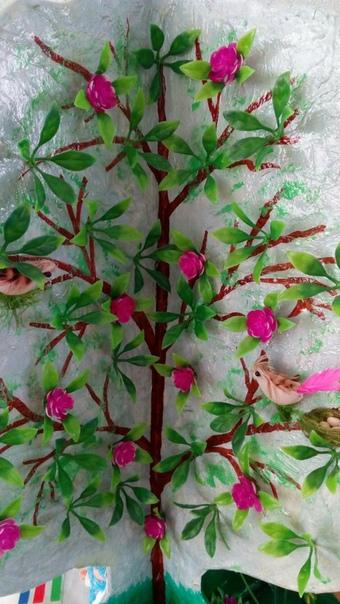 Дерево Времена года Как делать, рассказывает автор Ирина Семашко: Для такой конструкции понадобилось 3 детали (2 детали крона и ствол и круг для низа работы) , все сделано из картонной коробки