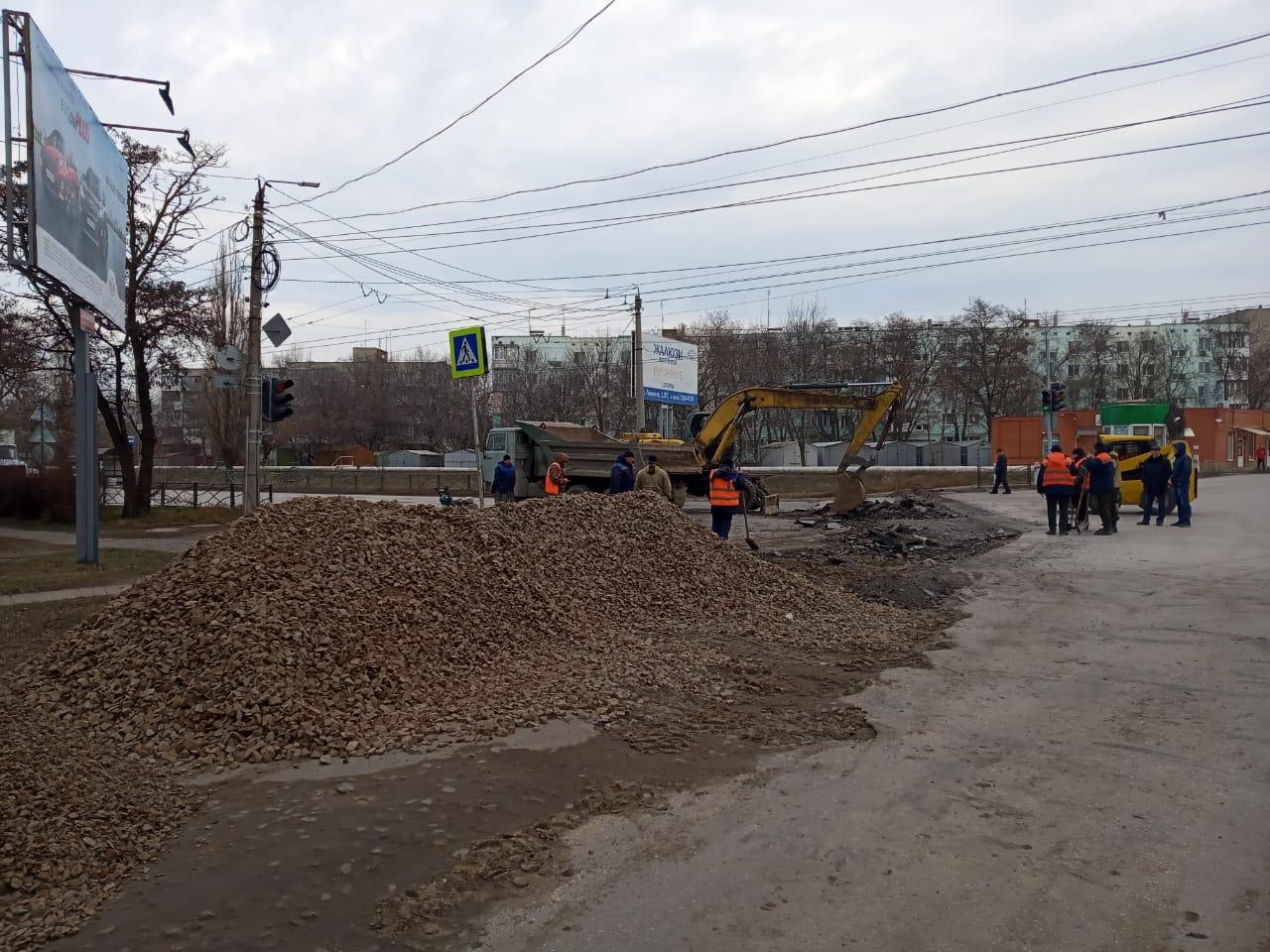 Водоканал Таганрога завершил асфальтирование в районе перекрестка ул.Транспортная / ул.Шило