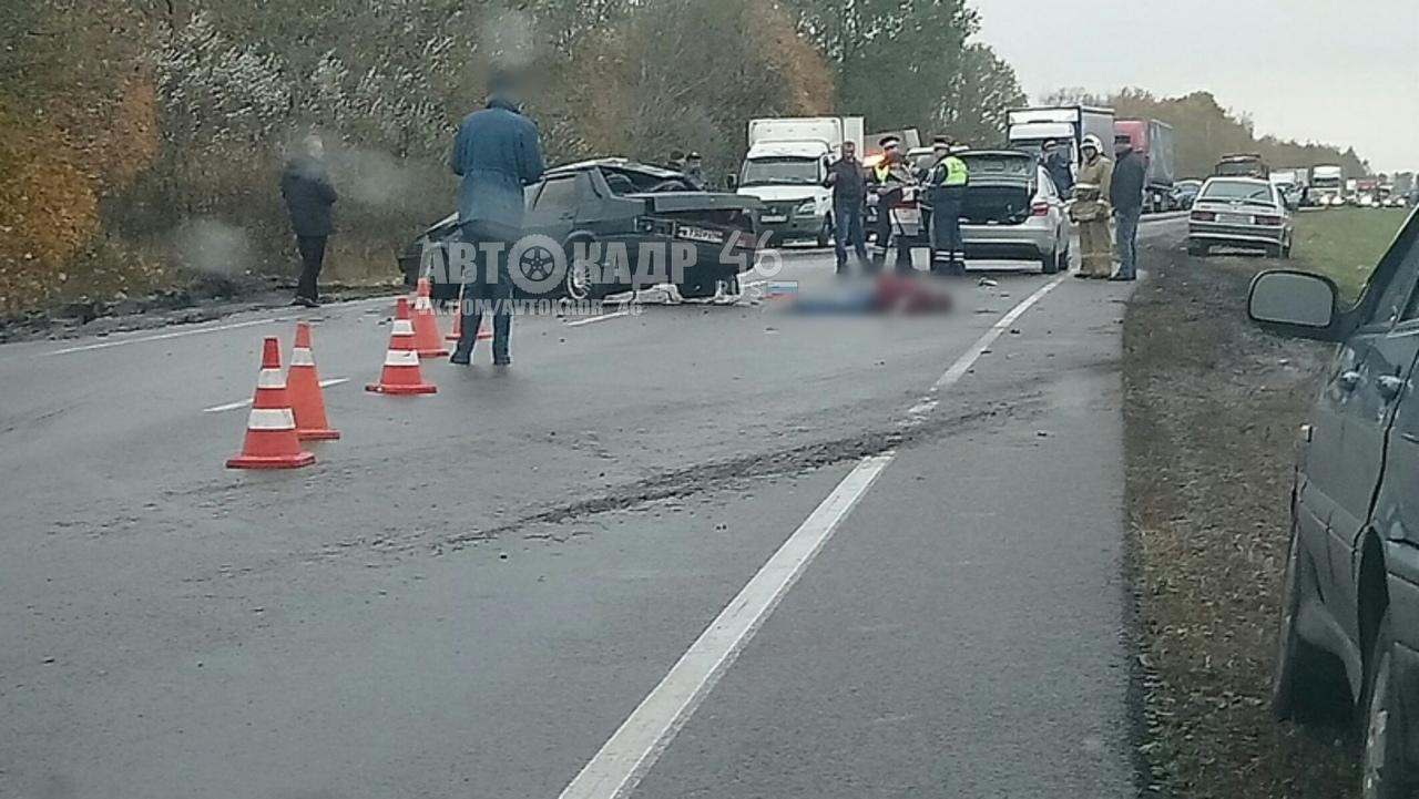 На трассе под Курском столкнулись ВАЗ и «Рено». Погиб один водитель