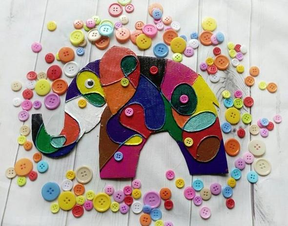 ПОДЕЛКИ ДЛЯ ДЕТЕЙ СВОИМИ РУКАМИ А вы читали книги Дэвида Макки про слона Элмера Элмер - очень необычный - разноцветный - слон в клеточку! Клеточки у него самые разные: желтые и оранжевые,
