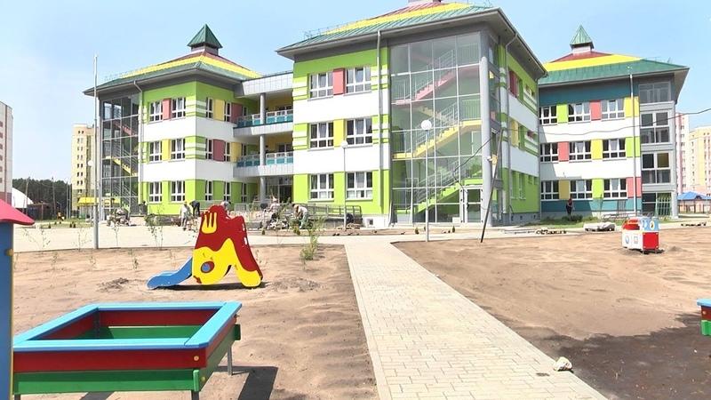 В Радужном завершается строительство нового детского сада