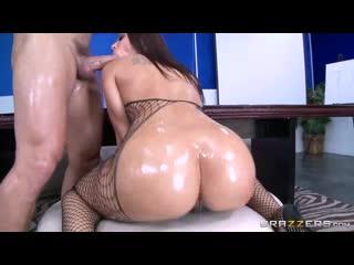 Секс с зрелой брюнеткой в офисе Rachel Starr