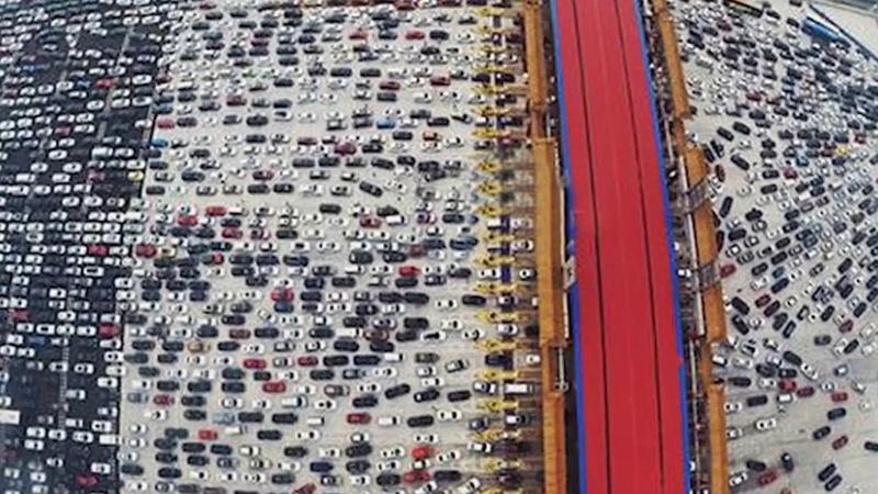 ►Гигантский автомобильный затор 97 км 10 дней (Китай) | Самая большая АВТОМОБИЛЬНАЯ ПРОБКА в Мире