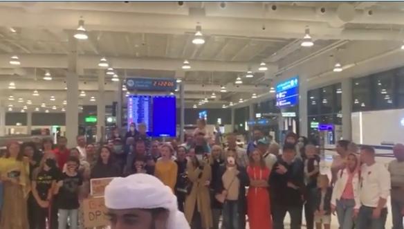Казанцы не могут вылететь из Дубая из-за отказа ОАЭ принимать российские самолеты