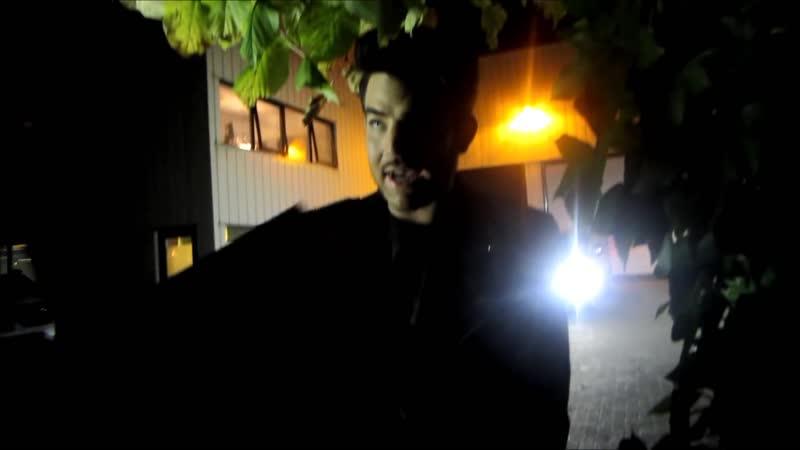 2015 10 11 kun je het al zien Adam with fans after the show