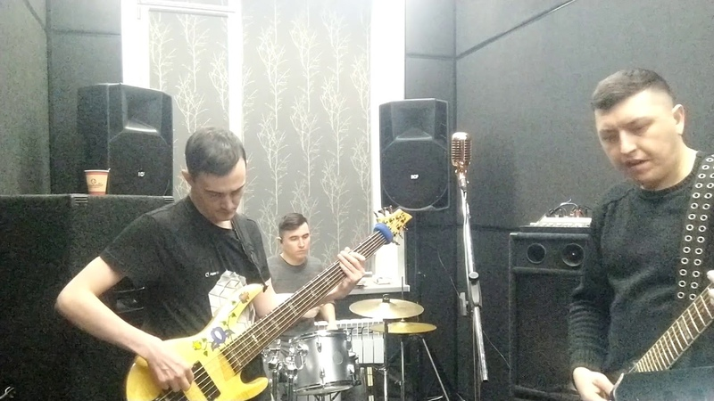 Rehearsal of a new song for the third album. Crowdfunding continues...
