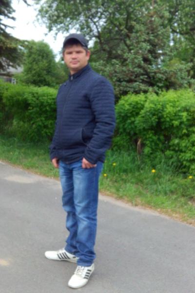 Александр, 33, Loyga