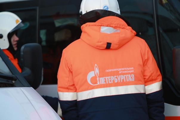 Жители дома на улице Фрунзе в Петербурге неделю живут без...