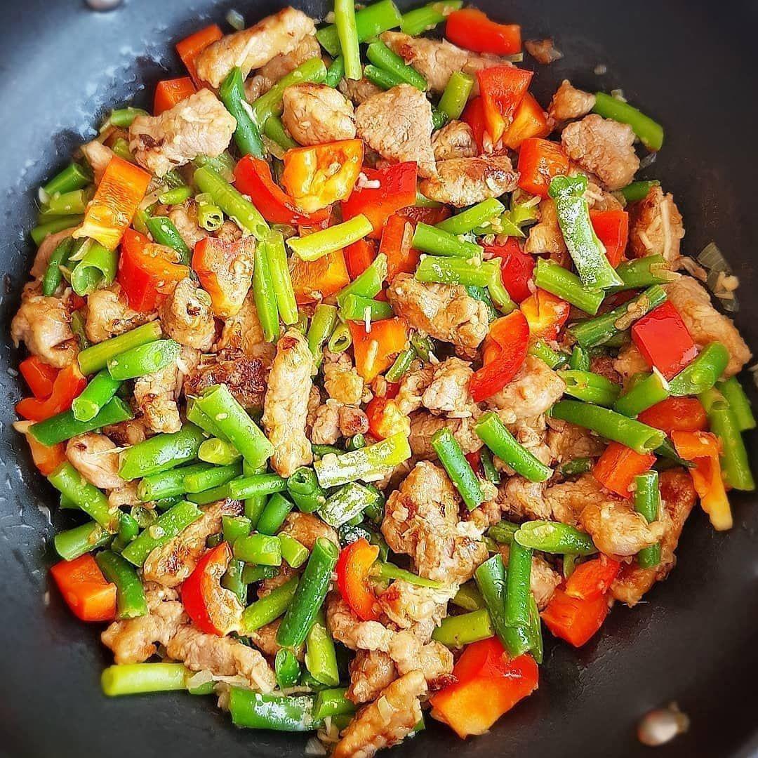Мясо с перцем и стручковой фасолью