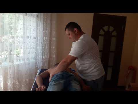 Костоправ убрал функциональные блоки и избавил от боли Corectie vertebrala Chiropractic