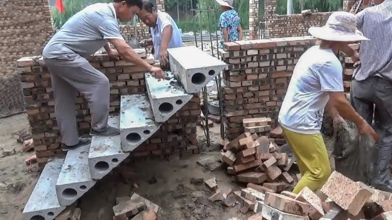 This smartest construction worker earn $1 000 000 per year Modern construction technology machine