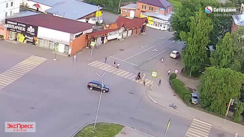 ДТП в Белокурихе. Джип сбил велосипедиста на пешеходном переходе 13.06.2020