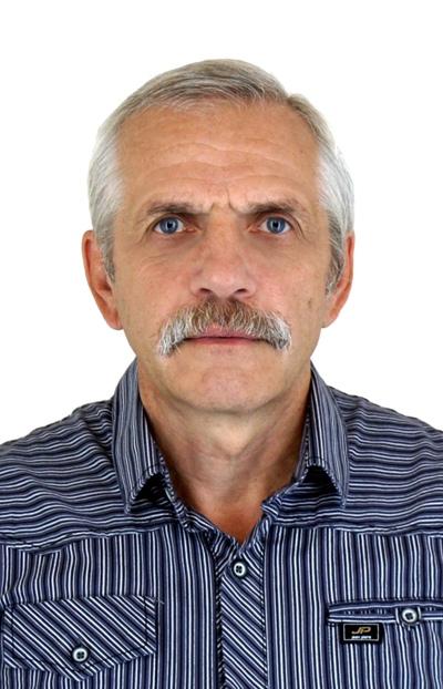 Анатолий Стародумов