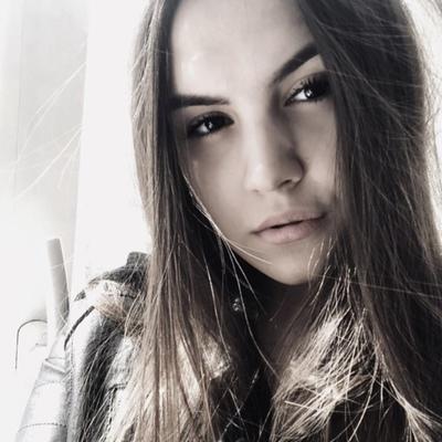 Алиса Калашникова