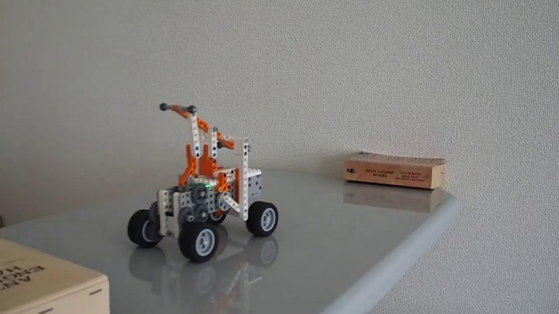 Apitorで作った手漕ぎトロッコ A pump trolley built using Apitor