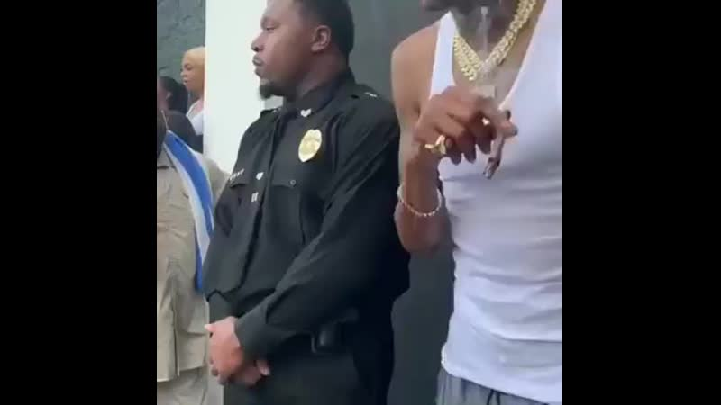 Cannabis snoop dogg and cop