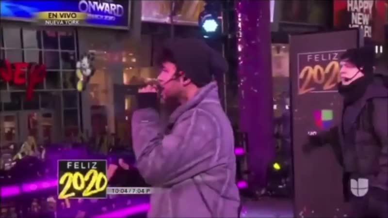 CNCO Pegao Performance Live en Times Square